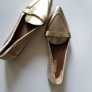 TOPSHOP GOLD POINTED TOE LOAFERS
